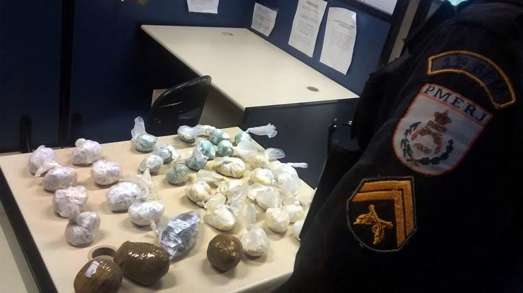 Parte da maconha e cocaína apreendida em operações (Foto: 11º BPM)