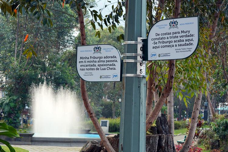 Friburgo respira poesia e a partir dos Jogos Florais, a principal praça da cidade ganhou uma alameda dedicada aos trovadores (Arquivo AVS/ Henrique Pinheiro)