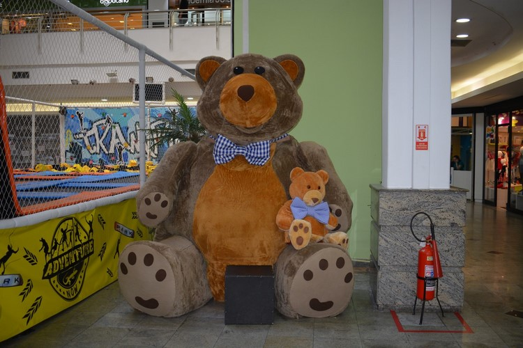 O urso e o ursinho: homenagem ao Dia dos Pais (Foto: Henrique Pinheiro)