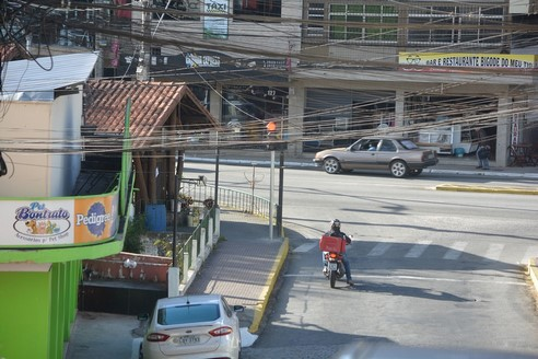 A esquina do perigo: insegurança em ponto movimentado da cidade (Fotos: Henrique Cordeiro)