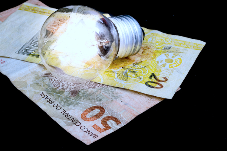 Conta de luz de clientes da Enel vai subir 9,7%