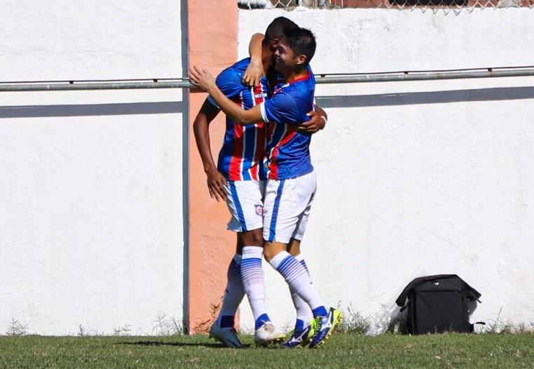 Jogadores comemoram mais um gol do Frizão (FutRio)