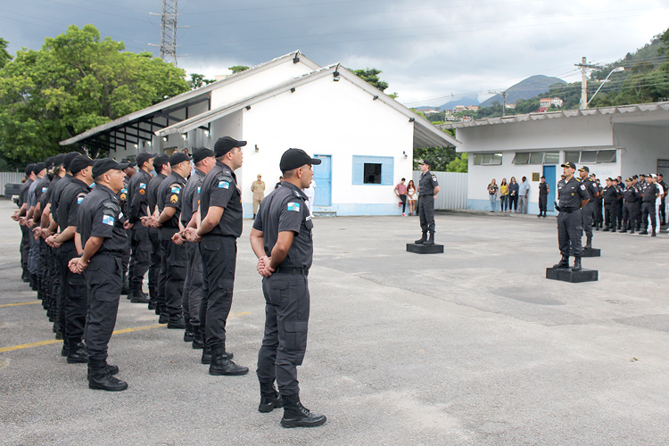 A cerimônia de passagem do comando foi realizada na tarde da última sexta-feira no pátio do quartel, no bairro vila Nova (Fotos: Henrique Pinheiro)