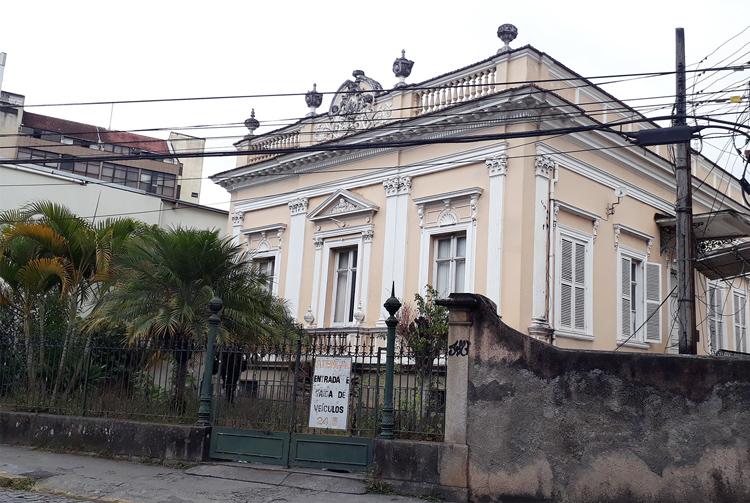O casarão da antiga LBA (Fotos: Henrique Pinheiro)