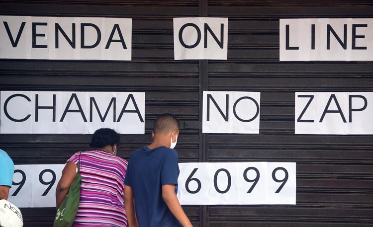 Cena cotidiana da pandemia em Friburgo (Foto: Henrique Pinheiro)