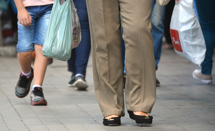 Movimento de compras em plena pandemia em Friburgo (Arquivo AVS/ Henrique Pinheiro)