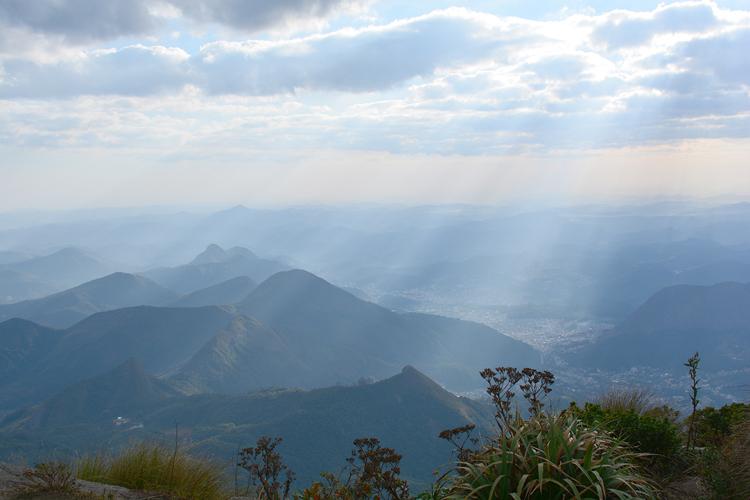 Pico do Caledônia - Vista parcial da cidade (Foto: Alan Andradre/Arquivo AVS)