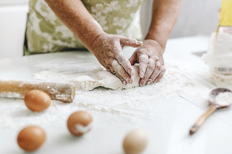Massa versátil: aprenda a fazer pão e pizza a partir da mesma receita