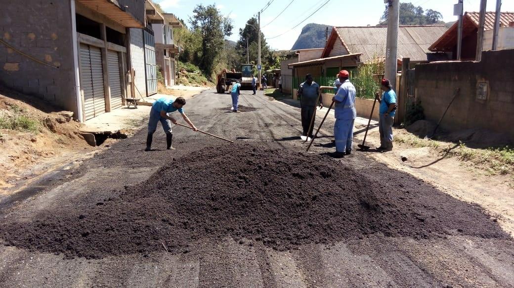 Estrada da Fazenda da Laje recebe, enfim, obras de asfaltamento