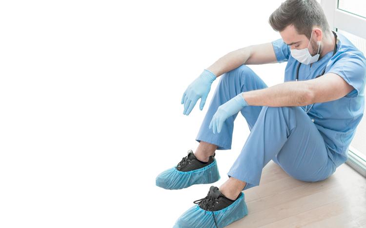 Fiocruz pesquisa condições de trabalho dos profissionais de saúde na Covid