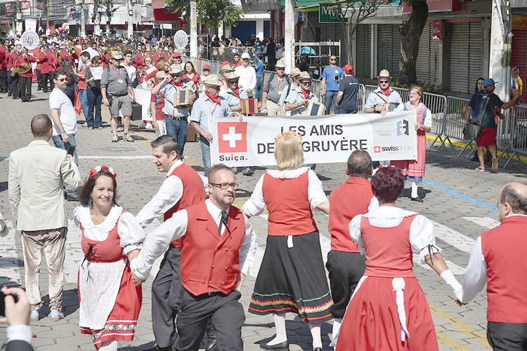 Desfile dos 200 anos (Arquivo AVS)