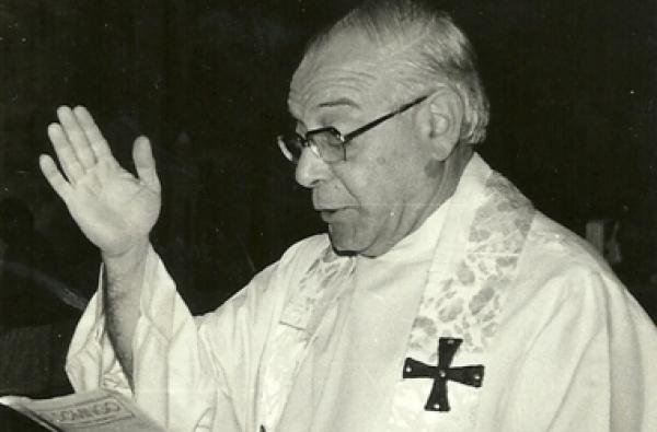Monsenhor Mielli em celebração (Acervo Memorial CNSG)
