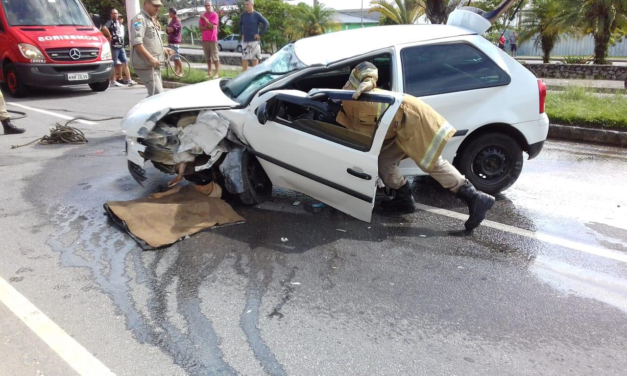 Flagrante da colisão (Foto de leitor)