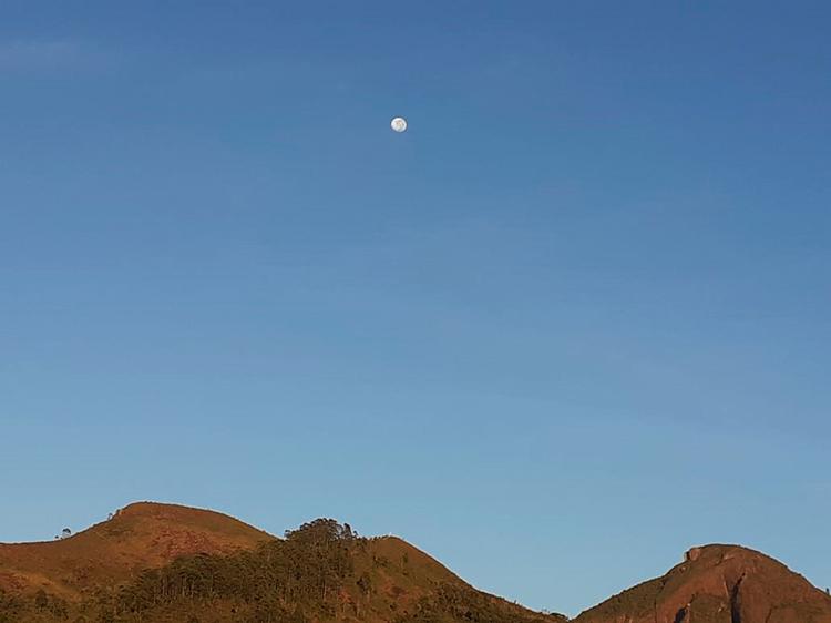 Lua em Nova Friburgo (Foto: Adriana Oliveira)
