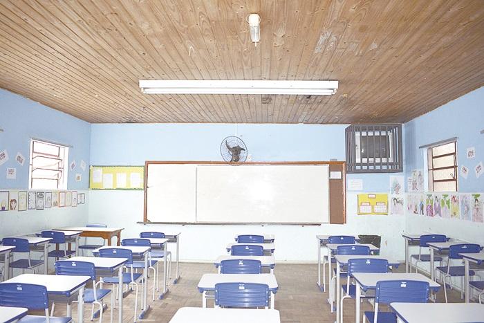 Justiça cassa liminar e autoriza retorno das aulas presenciais no estado