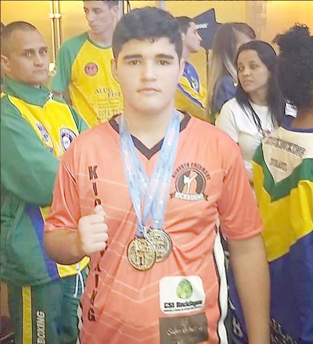 Jovem friburguense é campeão Pan-Americano de Kickboxing no México