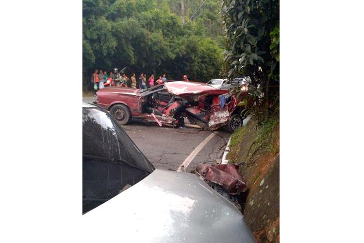 Seis feridos em grave acidente na RJ-116