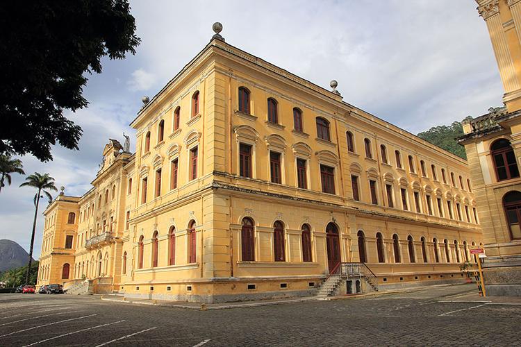 Colégio Anchieta faz 133 anos nesta sexta cheio de histórias
