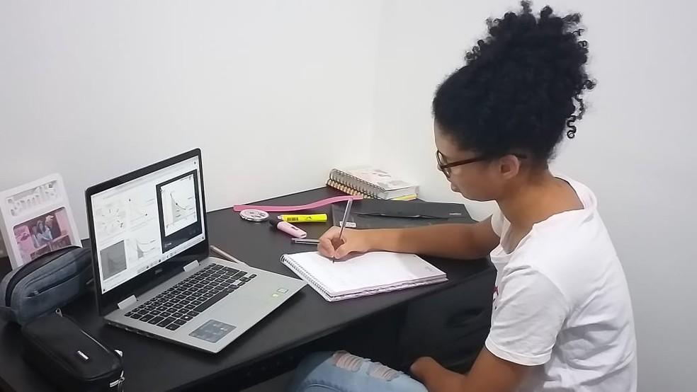 Sesc Friburgo abre inscrições gratuitas para pré-vestibular online