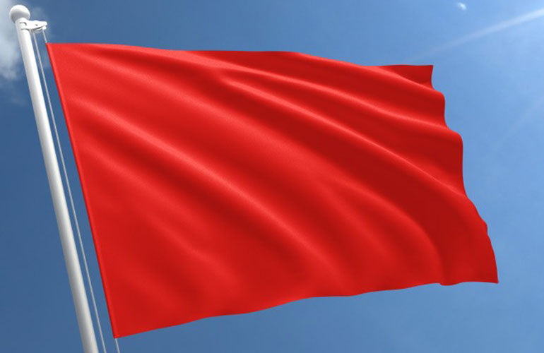 Defensoria dá prazo para prefeitura explicar mudanças na bandeira vermelha