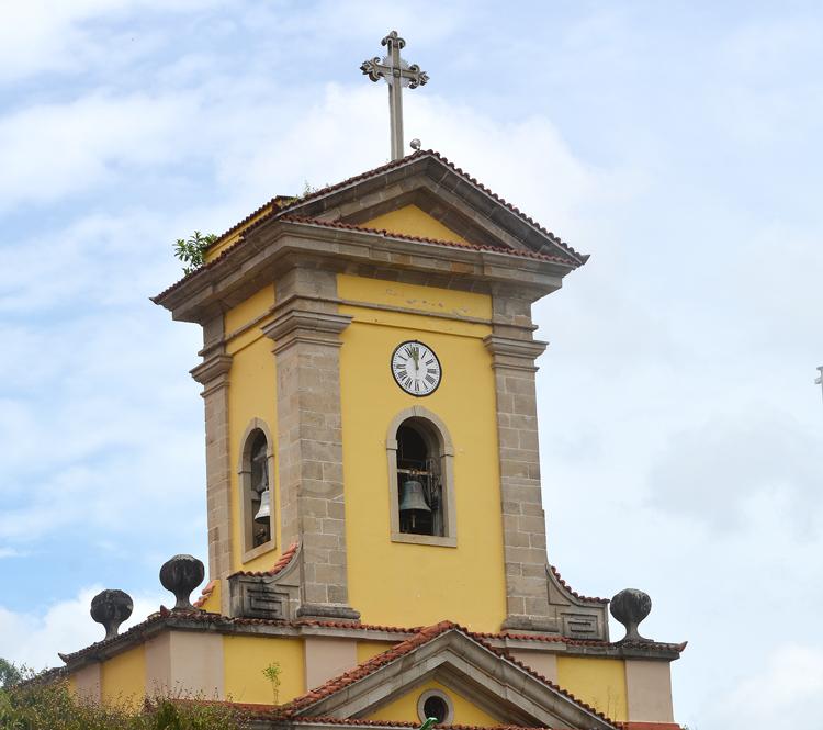 O carrilhão da Catedral São João Batista (Fotos: Henrique Pinheiro e reproduções da web)