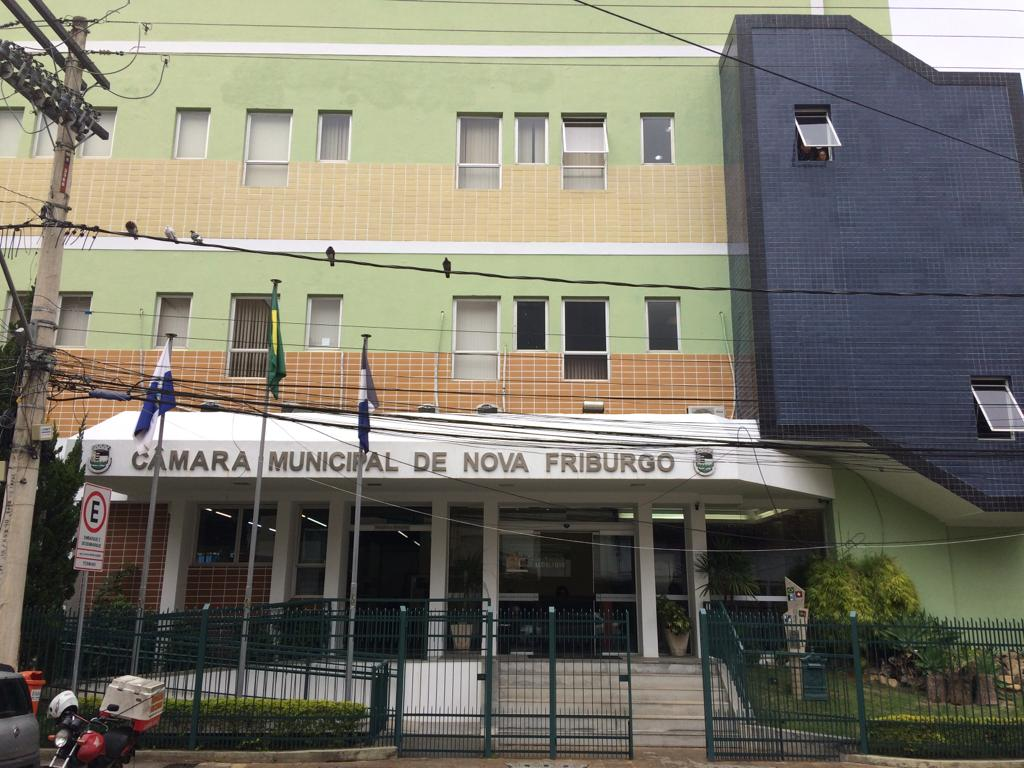 """Câmara aprova """"seguro anti-corrupção"""" para garantir execução de obras e serviços"""
