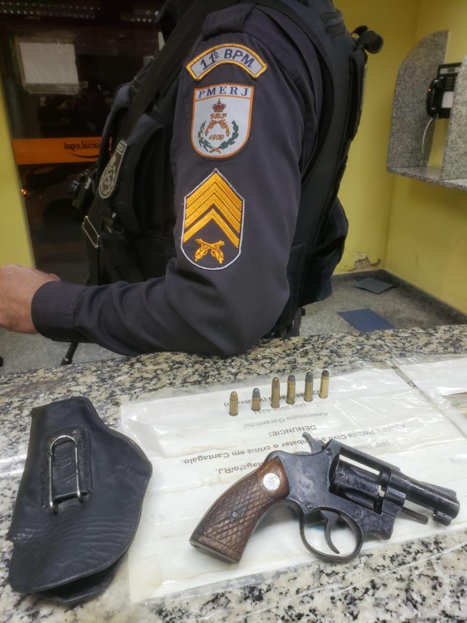 Arma apreendida em Cantagalo (Foto: Arquivo AVS)
