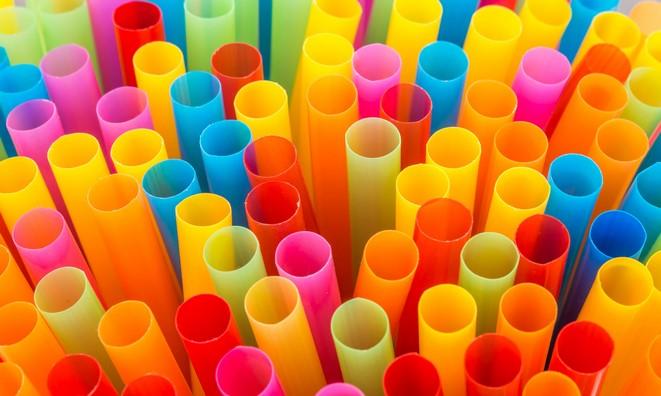 Câmara aprova proibição de canudos plásticos em Nova Friburgo