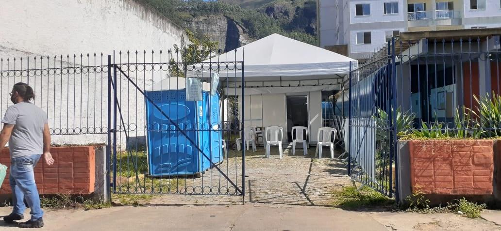 A tenda do posto de Olaria (Foto de leitor)