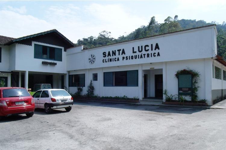 Campanha arrecada panetones para o Natal da clínica Santa Lúcia