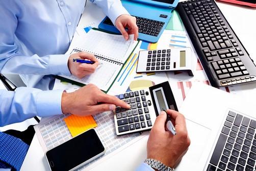 Auditores fiscais autuam 52 empresas devedoras de ICMS