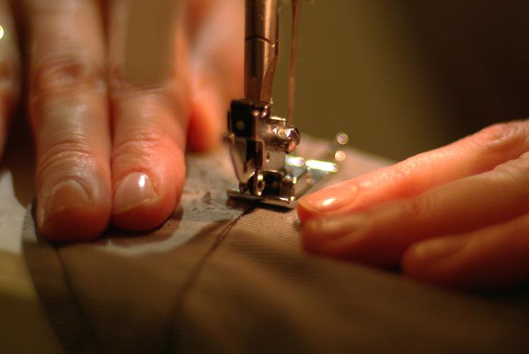 Aldeia da Criança oferece curso gratuito de corte e costura