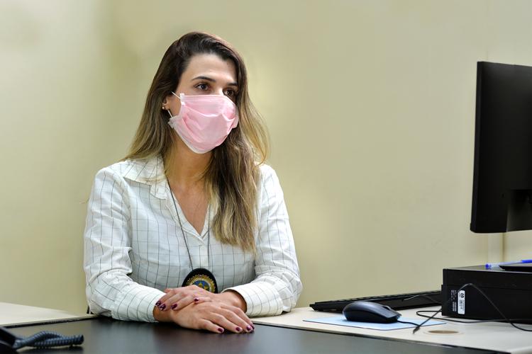 A delegada Carla Ferrão (Fotos: Henrique Pinheiro)