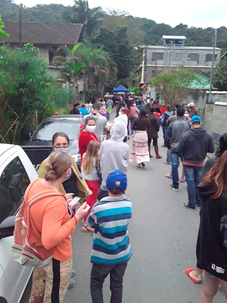 A fila em Lumiar (Foto de leitor)