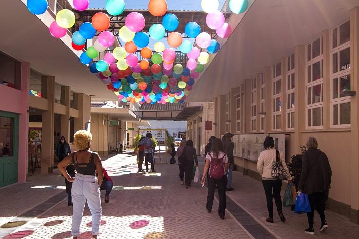 A Rua das Rendas, já apelidada de Rua das Bolas, no Espaço Arp (Divulgação)