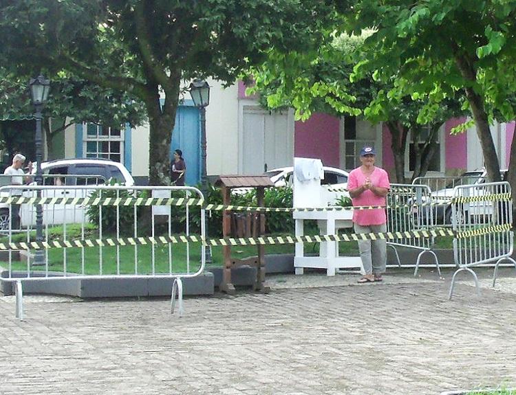 A  pia na praça de Duas Barras (Divulgação)