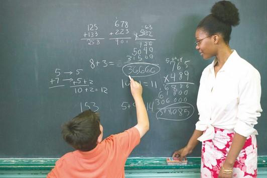 Renovação de matrículas para 2020 nas escolas municipais começa segunda