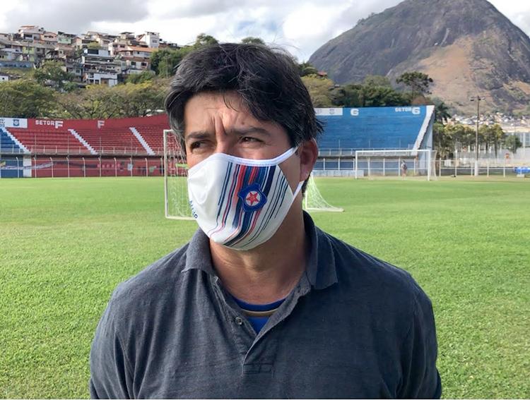 O gerente de futebol Siqueira