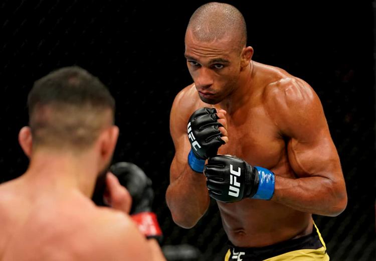 UFC muda de novo o adversário de Edson Barboza no próximo dia 10