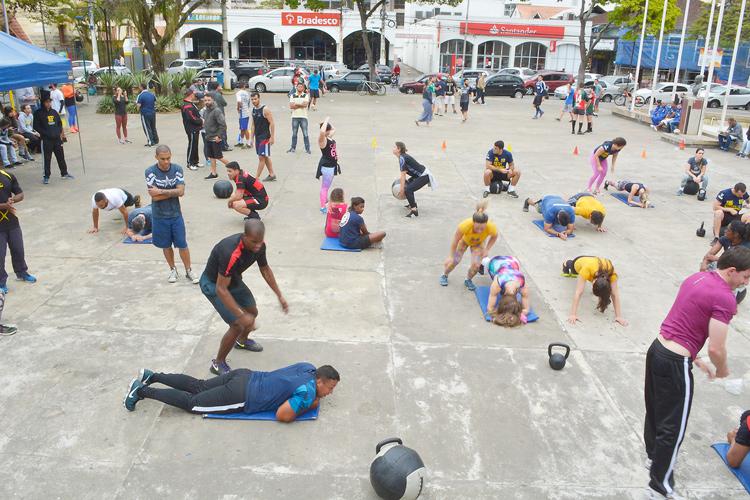 9ea651f628 Atividade de lazer e esportes na Praça Dermeval Barbosa (Arquivo AVS)