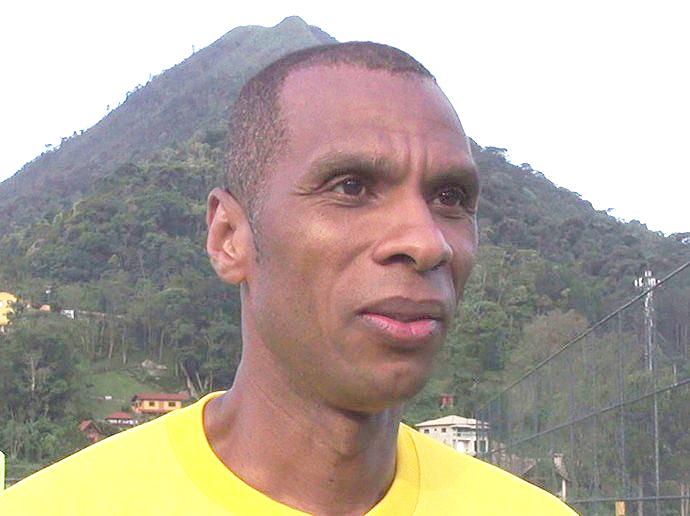 Cadão participou de mais de 400 partidas com a camisa do Friburguense: desafio agora é na área técnica