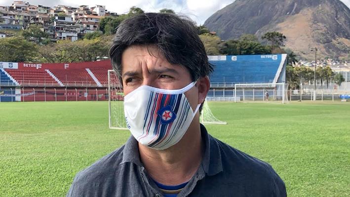 Em dificuldade financeira, Frizão não descarta pedir licença à Federação do Rio