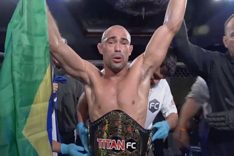 Victor Dias vence mais uma e fatura o cinturão do Titan FC
