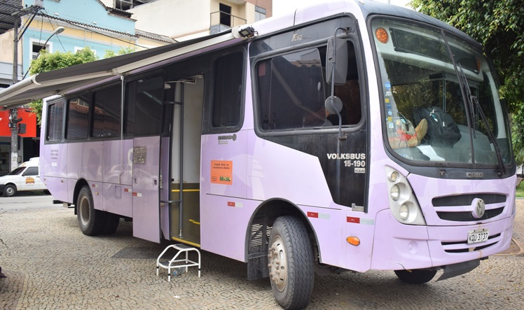 O ônibus lilás em Cordeiro (Fotos: Divulgação)