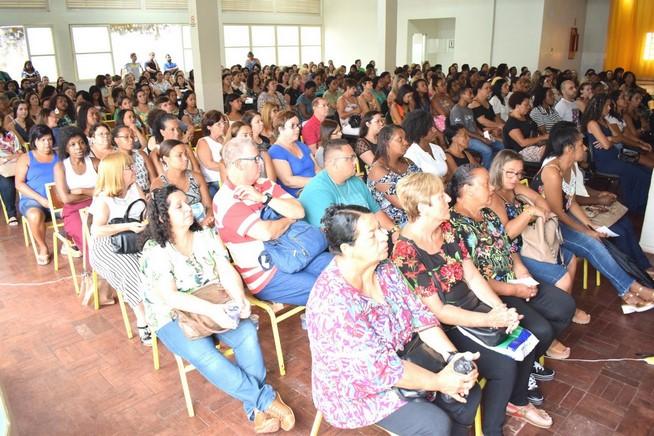 Profissionais de educação acompanharam atentamente as atividades do evento (Foto: Cícero Marra)