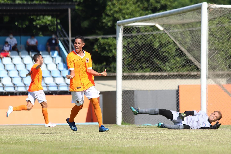 Gustavo marcou o gol solitário do Nova Iguaçu no Laranjão (crédito: Vitor Melo/Nova Iguaçu FC)