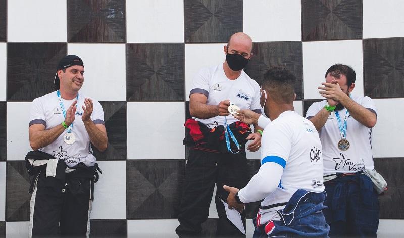 A cada etapa os pilotos são premiados, e ao final, os vencedores serão contemplados com novos prêmios