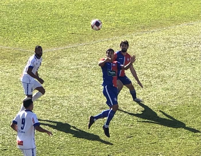 Tricolor teve ótimo início, mas não fez os gols e se complicou na partida