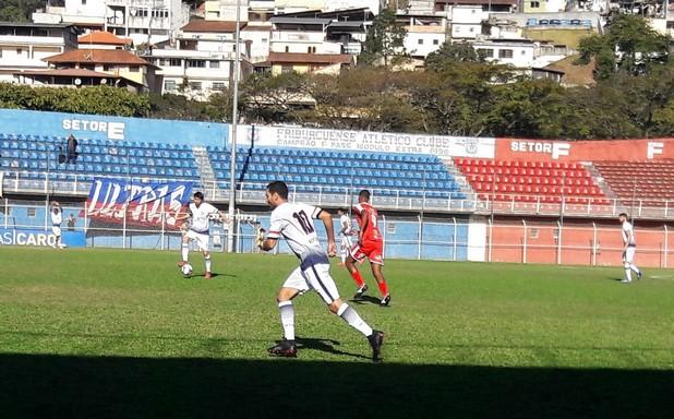 Gol de Jorge Luiz abriu caminho para mais uma vitória do Friburguense