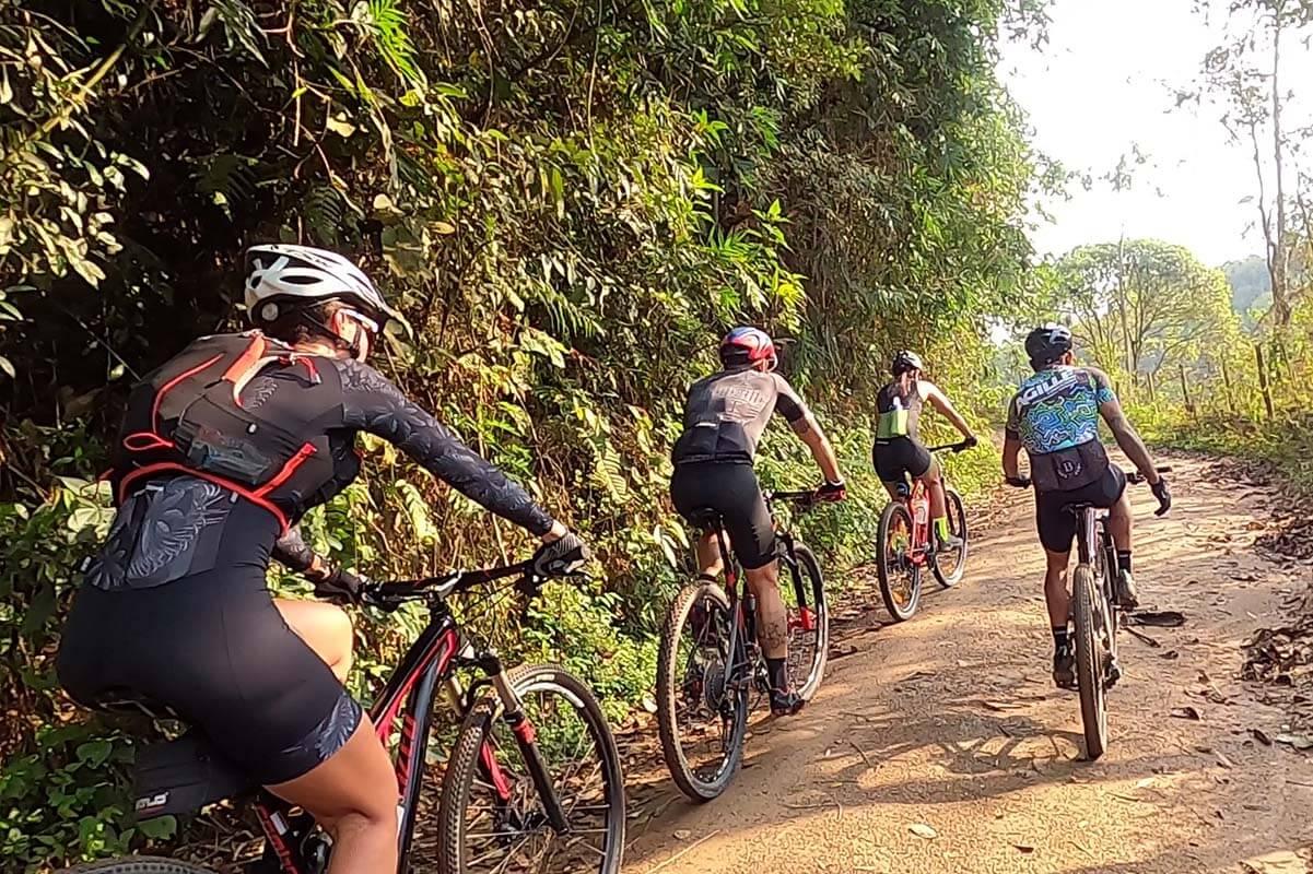 Cada vez mais na moda, o ciclismo também está incluído com atividades programadas